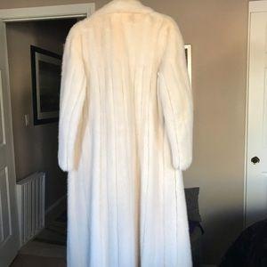 Jackets & Blazers - White Mink Coat